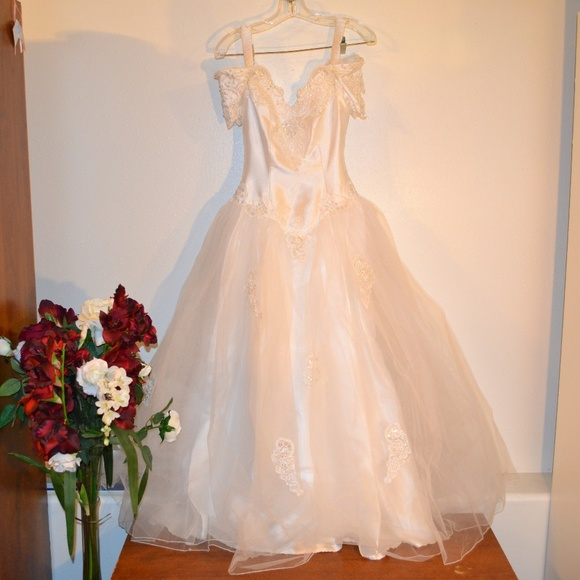 sweetheart gowns Dresses & Skirts - sweetheart bridal gown,vintage